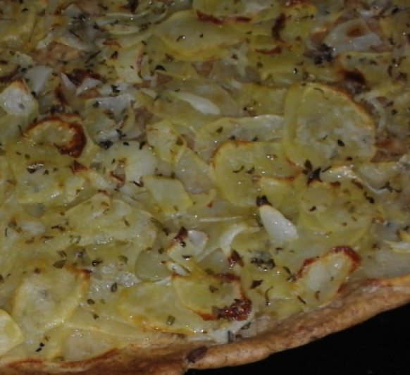 Coca de patata y cebolla
