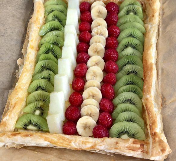 Tarta de frutas frescas y crema pastelera