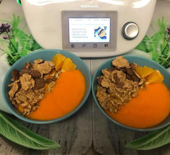 smoothie bowl de zanahoria ,naranja y mango