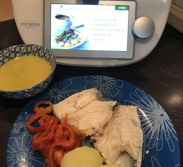 Menú: sopa de verduras con lubina a la espalda y patatas de guarnición
