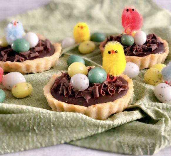 Tartaletas de chocolate con dulce de leche y nuez