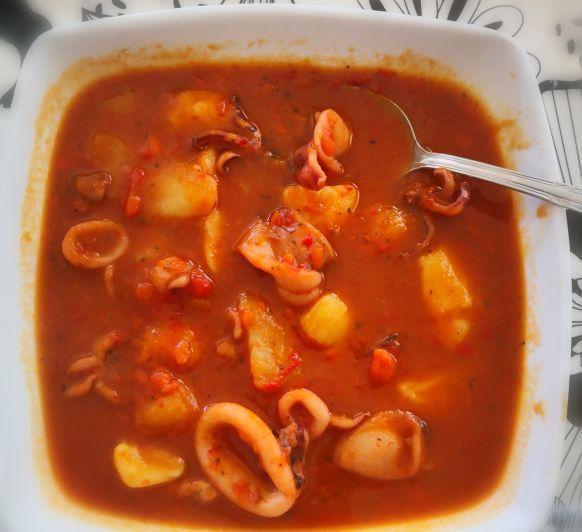 Estofado calamares y patatas