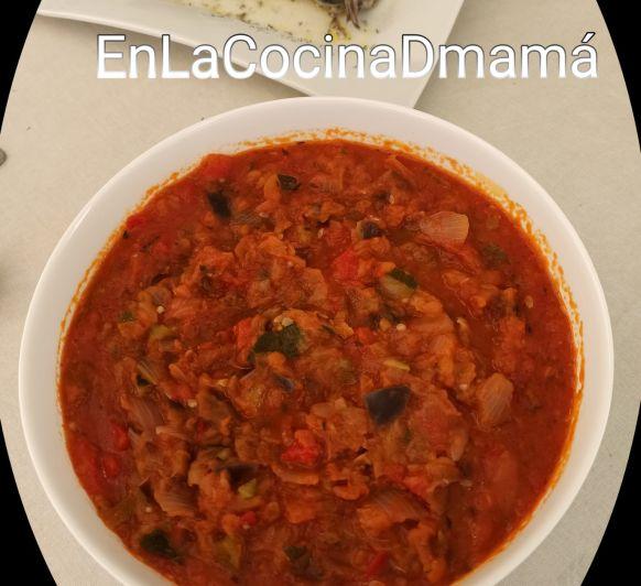 Menú saludable sin gluten de Caballa con pisto de calabacín y berenjena